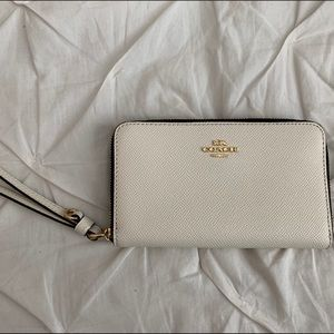 Coach White/Gold Wristlet Waller
